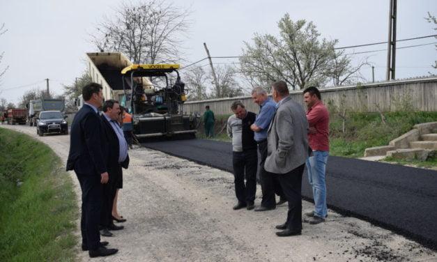 Prefectul Dan Şlincu a vizitat şantierul DN 24C