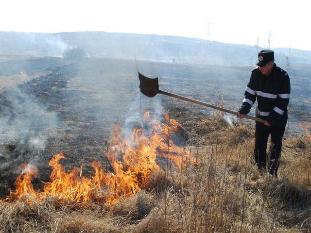 Stop incendiilor de vegetaţie uscată!