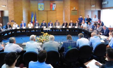 Întâlnirea primarilor si mediul de afaceri pe tema modificărilor legislației achizițiilor publice foto si video