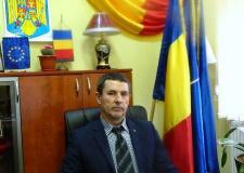Prefectul Dan Constantin Şlincu a emis astăzi un ordin de încetare de drept, înainte de termen, a mandatului domnului Burlacu Relu- Valentin, de primar al comunei Stăuceni.