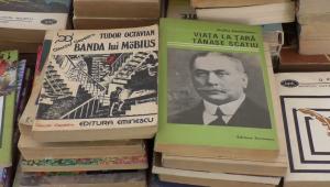 Studenții donează cărți pentru romanii din Ucraina si Republica Moldova