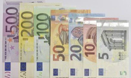 Atenţie mare, se schimbă bancnotele euro