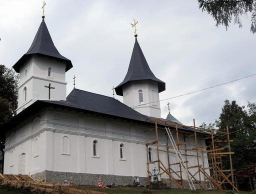 slujba de sfințire a noii biserici din Concești va  fi oficializata de IPS Teofan Duminica 16 septembrie
