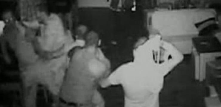 Tânăr bătut de șase indivizi într-un bar din Hudești