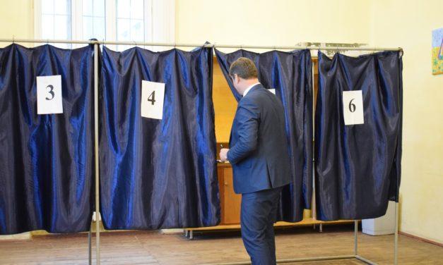 Pregătiri pentru buna desfăşurare a Referendumului naţional de revizuire a Constituţiei din 6 şi 7 octombrie