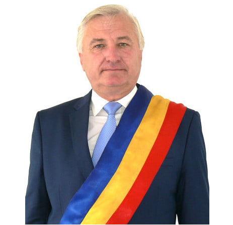 Astăzi, primarul comunei Hudești, Viorel Atomei,se află la ceas aniversar