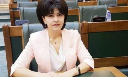"""În județul Botoșani, peste 12.500 de elevi primesc rechizite și ghiozdane, iar 1.535 de copii sunt beneficiari ai programului """"Masă caldă în școli"""""""