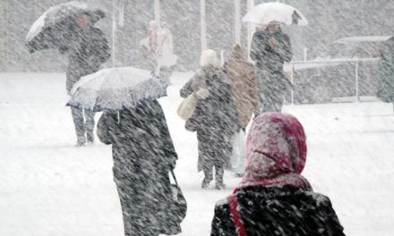 Un val de aer polar a cuprins România. Temperaturile scăzute aduc lapoviță și ninsoare