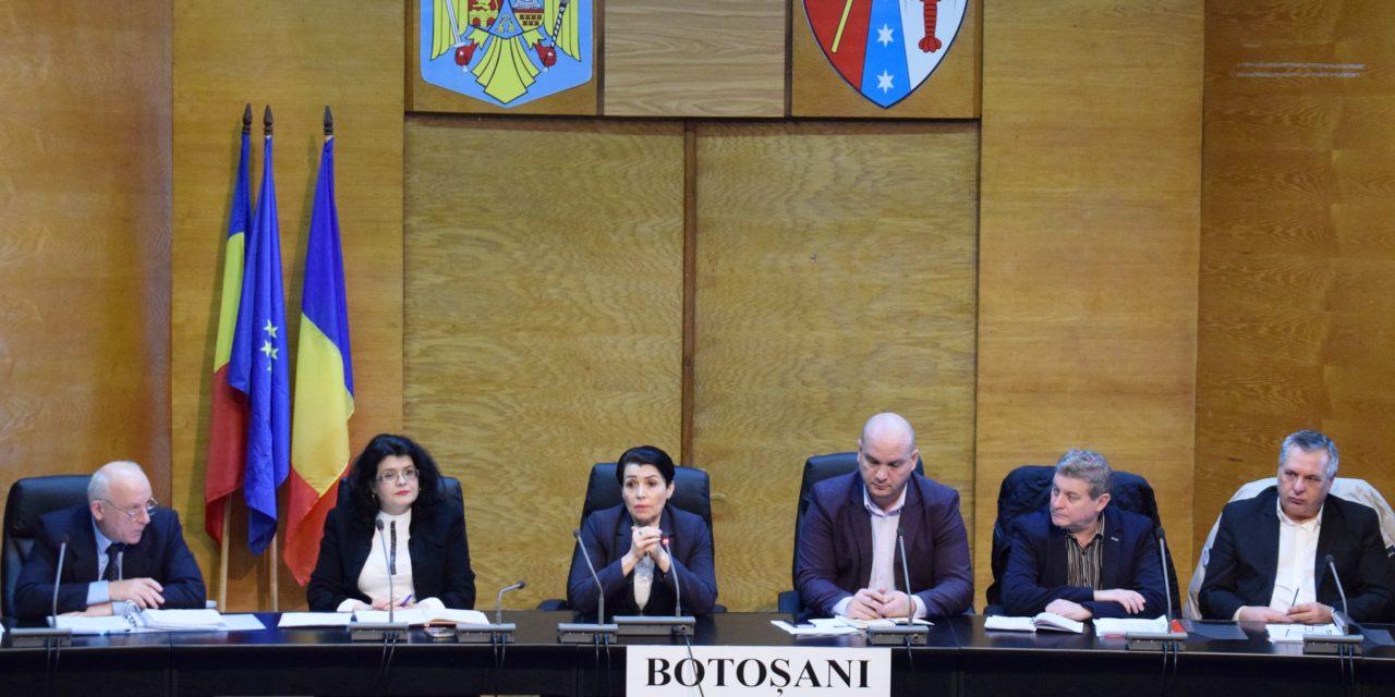 Secretarii unităţilor administrativ- teritoriale, invitaţi în şedinţe de lucru cu juriştii Instituţiei Prefectului