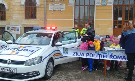 LA MULŢI ANI TUTUROR POLIŢIŞTILOR!