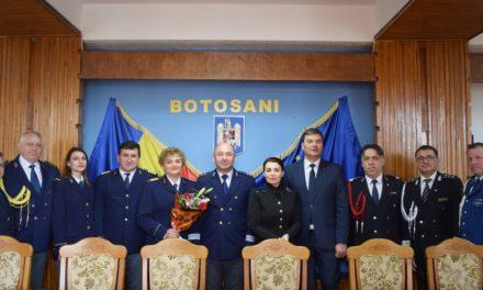 Avansări la Serviciul de Paşapoarte, cu ocazia Zilei Poliţiei