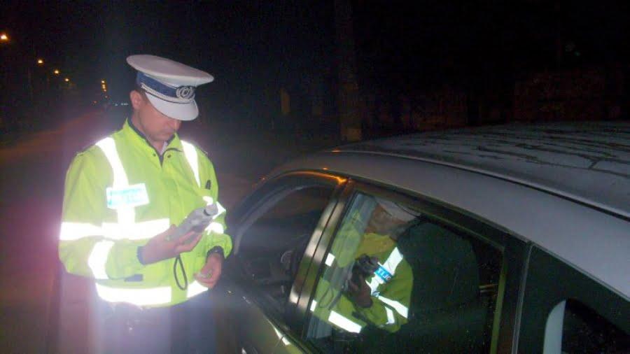 Bărbat reţinut pentru conducere cu permisul suspendat