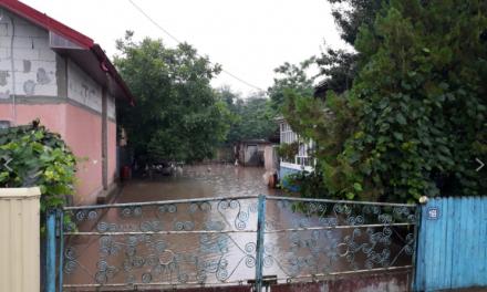 Inundație și la Darabani. Pompierii au intervenit de urgență