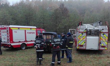 Bătrân rătăcit în pădure, ajutat de pompieri să găsească drumul spre casă