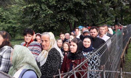 """Credincioșii din Parohia Mlenăuți în pelerinaj pe """"Calea Sfinților""""****Foto ****"""