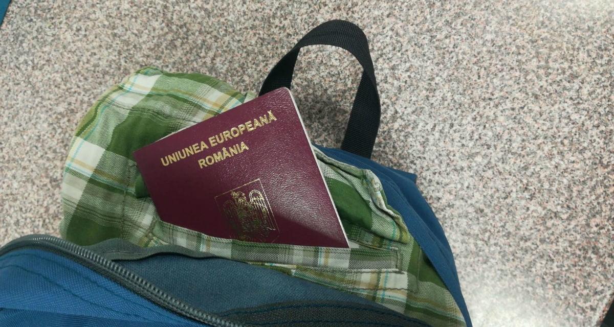 Paşapoarte româneşti false descoperite la  Punctul de Trecere al Frontierei Aeroport Iași