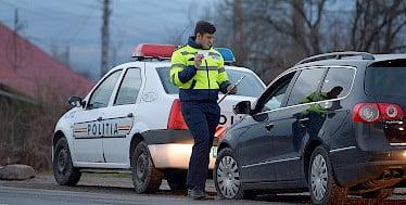 Tânăr din Hudești prins la volan fără permis
