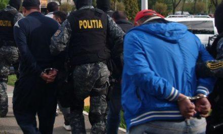 Grup infracțional organizat, specializat în trafic de migranţi, destructurat de poliţiştii de frontieră botoşăneni