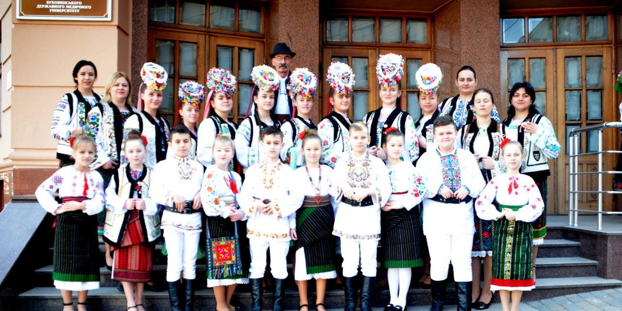 """La Cernăuți s-a desfășurat cea de-a XXV-a ediție a tradiționalului Festival """"Mărțișor"""""""