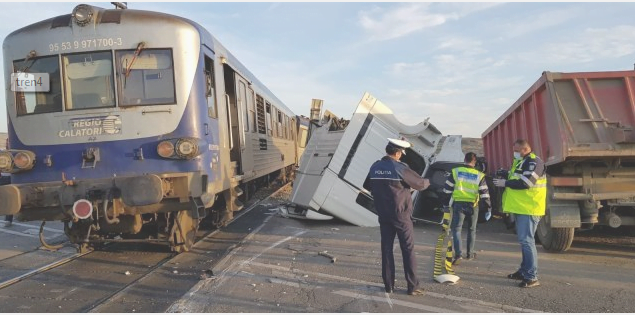 Trenul Dorohoi-Iaşi, a deraiat în localitatea ieșeană Leţcani.
