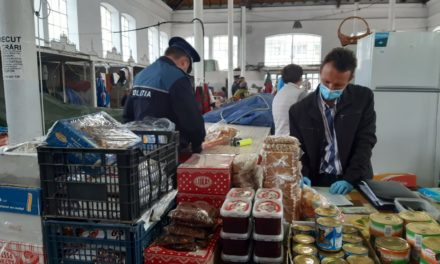 Peste două  tone de produse alimentare confiscate