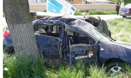 Doua mașini s-au rasturnat la intrare in Dragalina Foto&Video