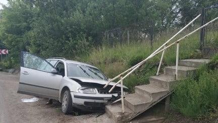 Accident rutier, la Suharău un autoturism a intrata intr-un cap de pod &Foto