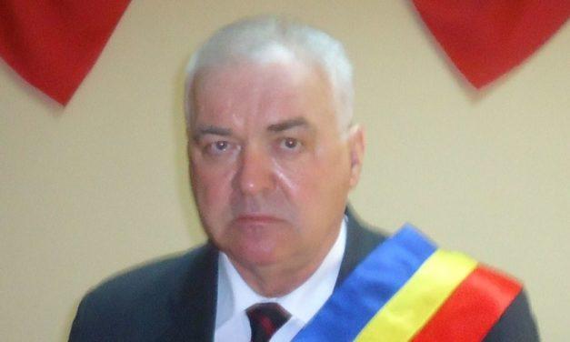 Un primar din Botoșani a murit răpus de COVID. Neculai Stratulat conducea comuna Bălușeni de 12 ani Citeşte întreaga ştire: Un primar din Botoșani a murit răpus de COVID. Neculai Stratulat conducea comuna Bălușeni de 12 ani