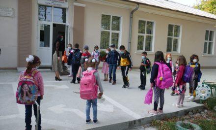Început de an școlar  la Hudești-2020- 2021