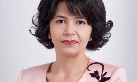 """Doina Federovici: """"Să-i prețuim pe dascăli și să le arătăm respectul nostru în fiecare zi pentru că ei sunt făuritorii de caractere ai fiecărei generații!"""""""