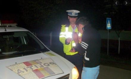 Hudeștean prins sub influența bauturilor alcoolice si fară permis