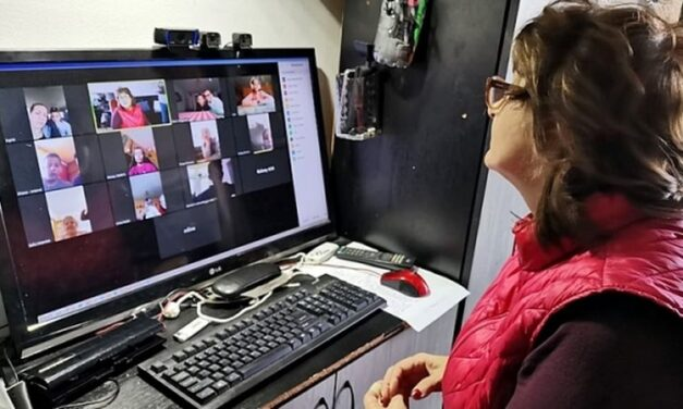 Spor de calculator pentru profesori, cerut Guvernului de sindicatele FSLI. Argumentul: expunerea la radiațiile emise de dispozitivele personale folosite în activitatea profesională