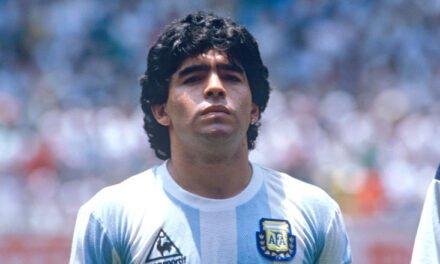 Maradona a murit!