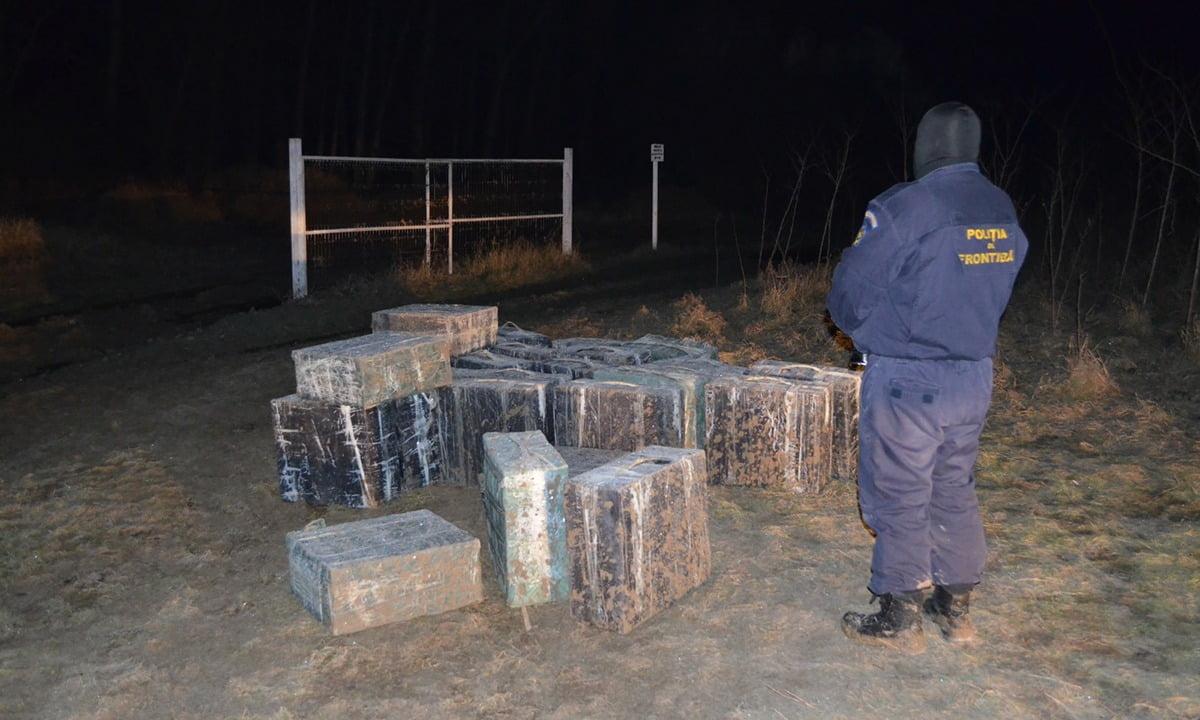 Polițiștii de frontieră au descoperit și confiscat 19.000 de pachete cu ţigări pe zona de frontiera Bajura