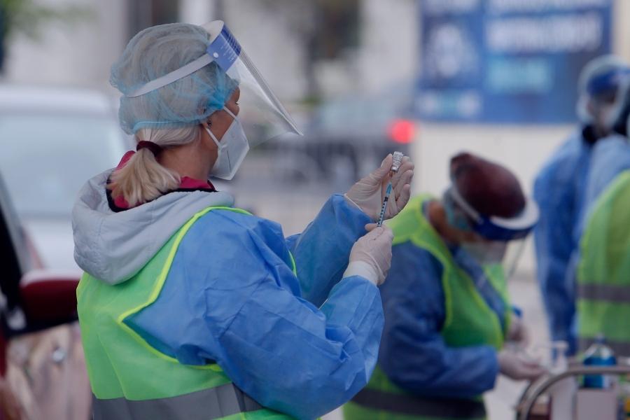 Beneficiile pe care le vor avea în România persoanele vaccinate cu ambele doze